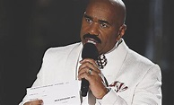 And the winner is ... oops! Steve Harvey and other live ...