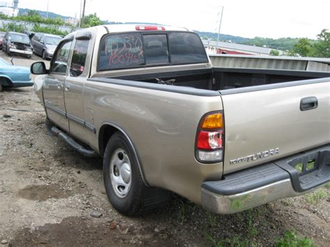 Parting Out 2002 Toyota Tundra  100415   Tom's Foreign