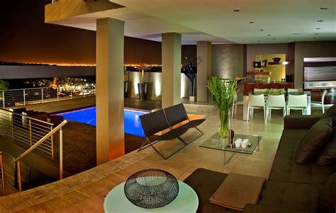 House Tat Designed By Nico Van Der Meulen Architects