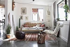 Boho Style Wohnen : wohnzimmer in boho chic look dekoriert home hippie ~ Kayakingforconservation.com Haus und Dekorationen