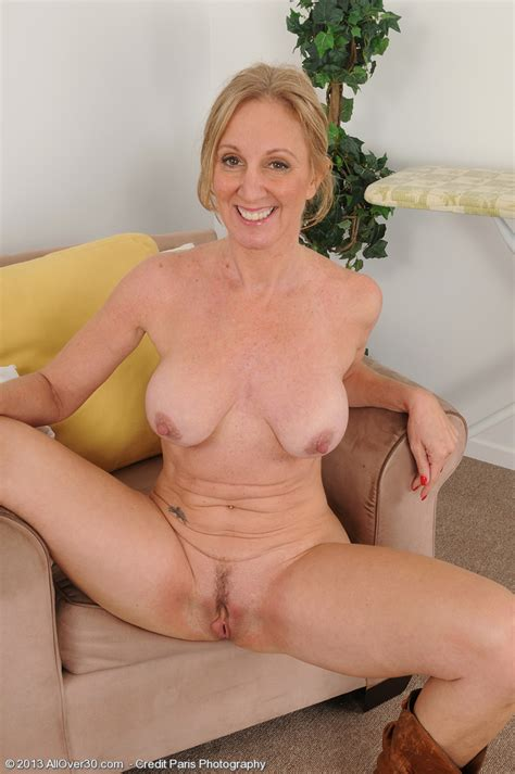 Mature Pictures Featuring 50 Year Old Jenna Covelli From