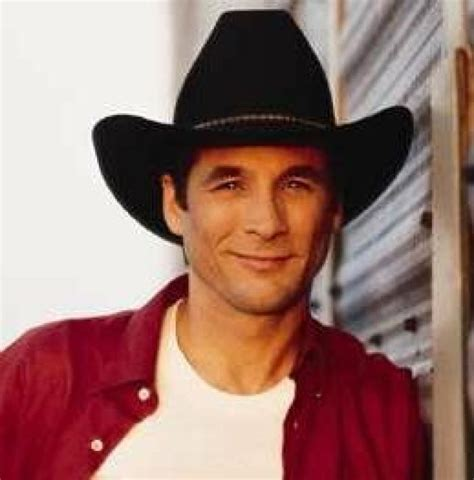 how is clint black 2015 headwaters fest to feature clint black entertainment