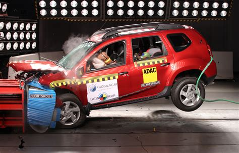 crash test dacia duster renault duster gets 4 in ncap crash test