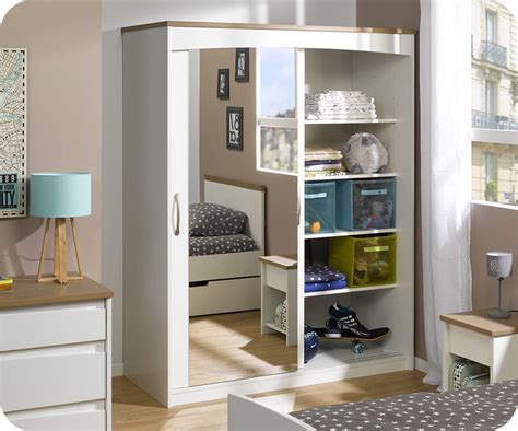 chambre avec miroir armoire chambre avec miroir maison design modanes com