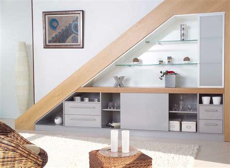 des etageres deco sous escaliers  idees gain de place