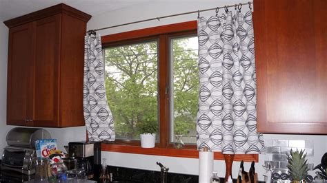 5 Kitchen Curtains Ideas With Different Styles Fl Vacation Homes Small For Sale With Land Grill Home Depot Plans Houses Florida To Rent Air Conditioner House Nursing Prefab