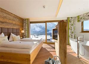Freistehende Badewanne Im Schlafzimmer : panoramasuite deluxe hotel alpendorf st johann pg ~ Bigdaddyawards.com Haus und Dekorationen