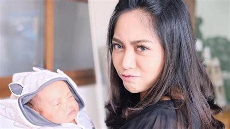 dua bulan anak rachel vennya jadi korban bully