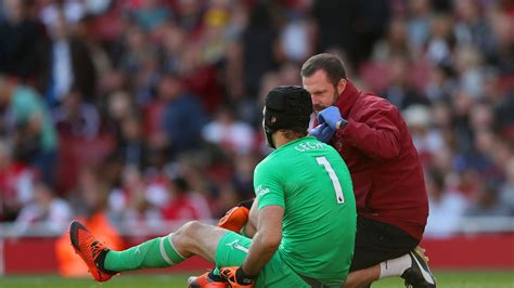 Arsenal's Petr Cech injured during defeat of Watford ...