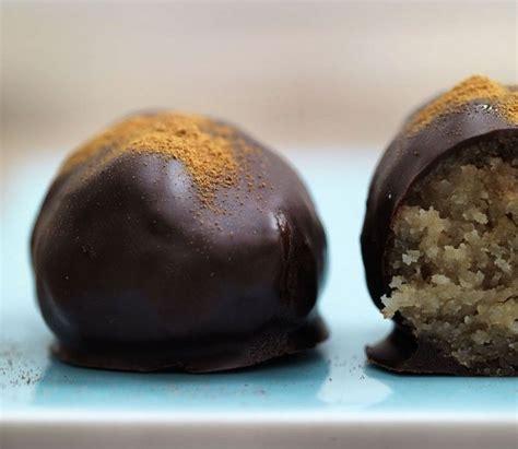 Here are 20 great recipes for sugar free desserts that are perfect. Påskeæg med sukkerfri marcipan og nougat   Recipe   Sugar free easter eggs, Sugar free, Dessert ...