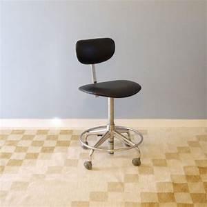 Chaise à Roulettes : chaise bureau vintage industrielle roulettes la maison retro ~ Melissatoandfro.com Idées de Décoration