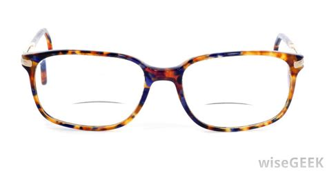 What are the Different Types of Bifocal Glasses?