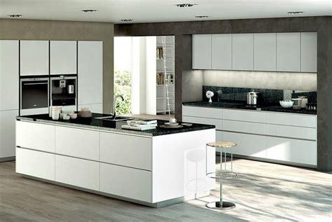 cuisine blanche et mur gris cuisine blanche et mur gris kirafes