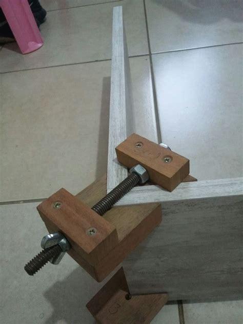 neat corner clamps woodworkingtools woodworking woodworking patterns diy woodworking