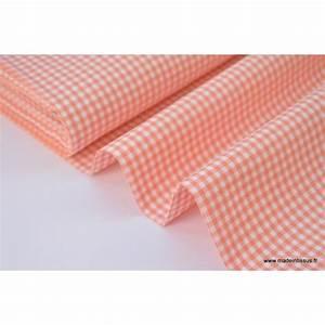 Tissu 100 Coton : tissu vichy en coton petits carreaux corail ~ Teatrodelosmanantiales.com Idées de Décoration
