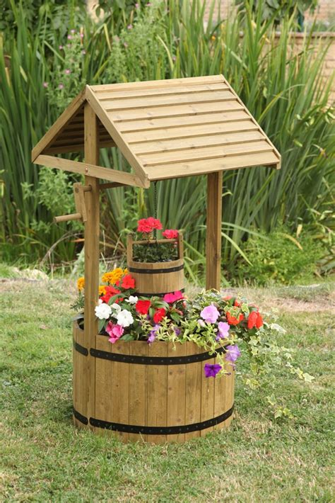 wooden garden products giant woodlands wishing well planter