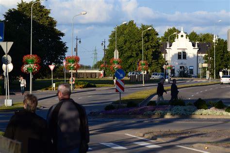 Latvijas lielāko pilsētu iedzīvotāju problēmas - bezdarbs, veselības aprūpe un ceļu ...