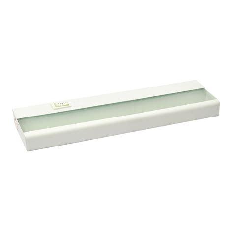 under cabinet lighting shop amax lighting 24 in hardwired plug in under cabinet