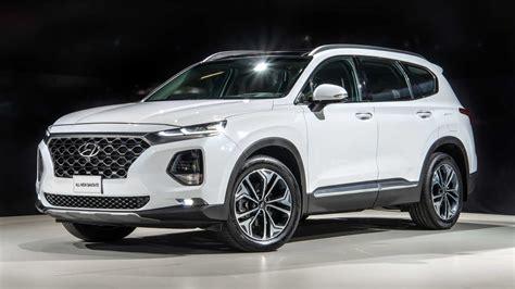 현대 싼타페) is a sport utility vehicle (suv) produced by the south korean manufacturer hyundai since 2000. Novo Hyundai Santa Fe chega ao Brasil com preço de Volvo ...