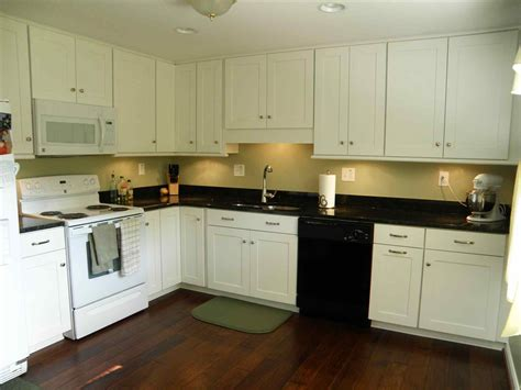 what color should i paint my kitchen cabinets what color should i paint my kitchen walls with white