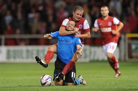 Snapshot: Rowdy Jamie McGuire Locks In The Sleeper On Andy ...