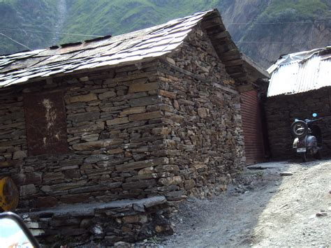 dry stone building  means  stone building