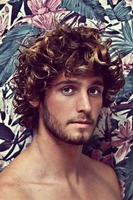 Hairstyles for Curly Hair Men