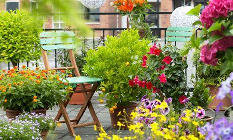 idee per terrazzi fioriti idee per un balcone fiorito fai da te 7 segreti per