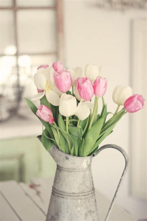 tulip decor how to incorporate tulips into your spring d 233 cor 49 ideas digsdigs