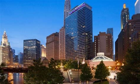 Hotels & Vacation Rentals Near Downtown Chicago Navy Pier