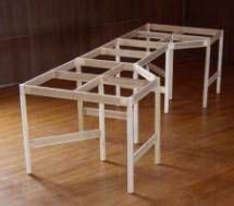 build  table   small model railroad ho train
