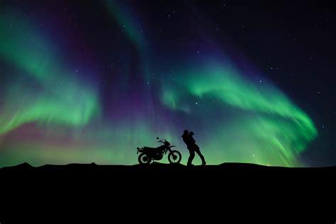wallpaper couple aurora borealis northern lights