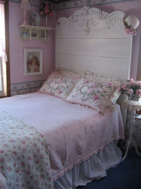 pink shabby chic bedroom 267 best images about diy headboards on pinterest mantel 16754 | a2064963ed8cec18cdfc1be6002c2a61