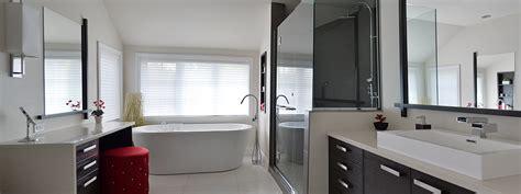 flamant salle de bain rubi par soligo spacieuse salle de bain