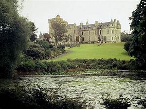 File:A country house in Scotland 2.JPG