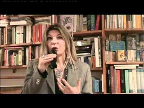 Libreria Aseq Roma by Fiorella Capuano Presenta Il Libro Trono Alla Libreria