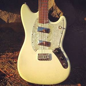 Fender Mustang With Mini Humbuckers