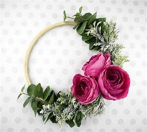 Simple But Gorgeous Hoop Wreath Instructions
