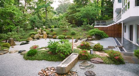 Japanese Style Garden by Zen Associates Residential