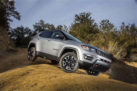 jeep compass all black 2017 2017 jeep compass trailhawk front three quarters motor trend