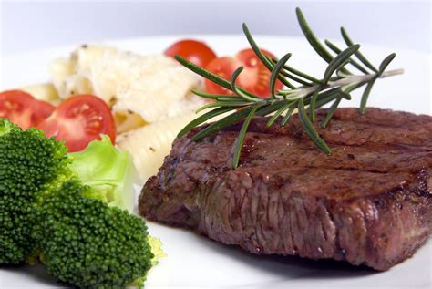 Umai dry® system is based on a unique breatheable membrane technology that provides a perfect safe good cuts for dry aging are: Dry Aged Top Sirloin Steaks