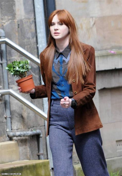 foto de Karen Gillan on the set of Not Another Happy Ending