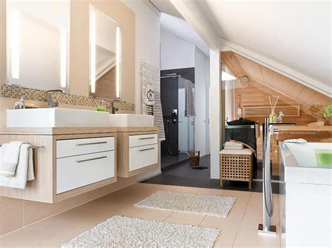 Einfamilienhaus Wohnzimmer Unterm Dach by Unterm Dach Mit Sauna Bad In 2019 Badezimmer Mit Sauna
