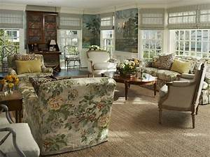 Living Room Decorating Styles: Nostalgic, Classic, Modern