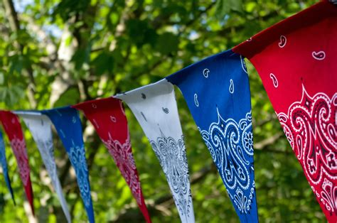 4th of july diy decorations july 4th diy easy patriotic bandana decor better housekeeper