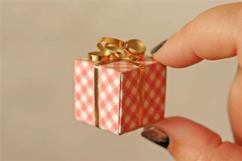 tiny gift boxes craftsy