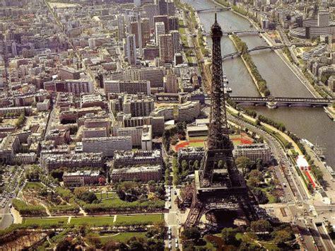 veduta aerea  parigi