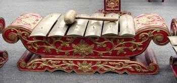 Oleh karena itu, jawa tengah memiliki berbagai macam alat musik yang khas. Alat Musik Tradisional Provinsi Jawa Tengah - Tentang Provinsi