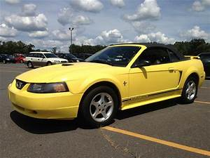 CheapUsedCars4Sale.com offers Used Car for Sale - 2001 Ford Mustang Convertible $4,390.00 in ...