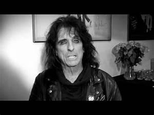 Alice Cooper Reveals His Top 5 Horror Films - YouTube